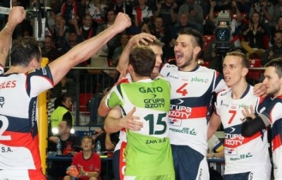 Zaksa, do ponteiro Lipe (#12), superou equipe belga por 3 sets a 0.
