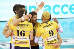 Modena está um ponto atrás do líder Trentino, mas possui um jogo a menos (Foto: Divulgação/Modena)