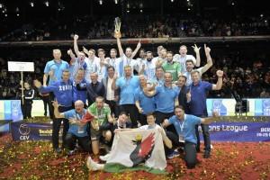 Zenit Kazan faturou o título europeu pela terceira vez em sua história (Foto: Divulgação/CEV)