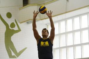 Em Saquarema treinando para a temporada 2015 de seleções, Murilo admite que já pensa na Olimpíada (Foto: Alexandre Arruda/CBV)